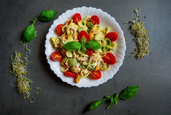 Pesto with basil pesto and salmon