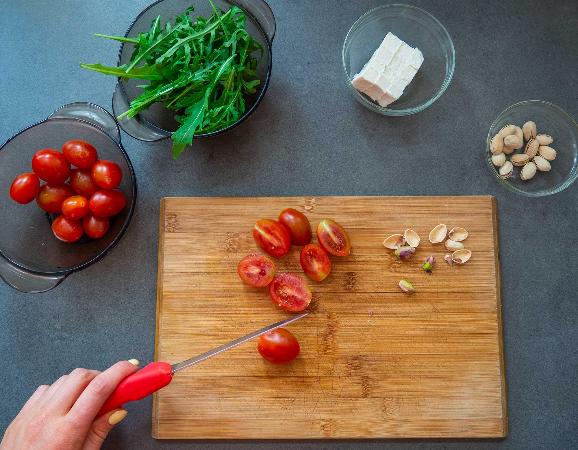 Spinach pasta with chicken preparation
