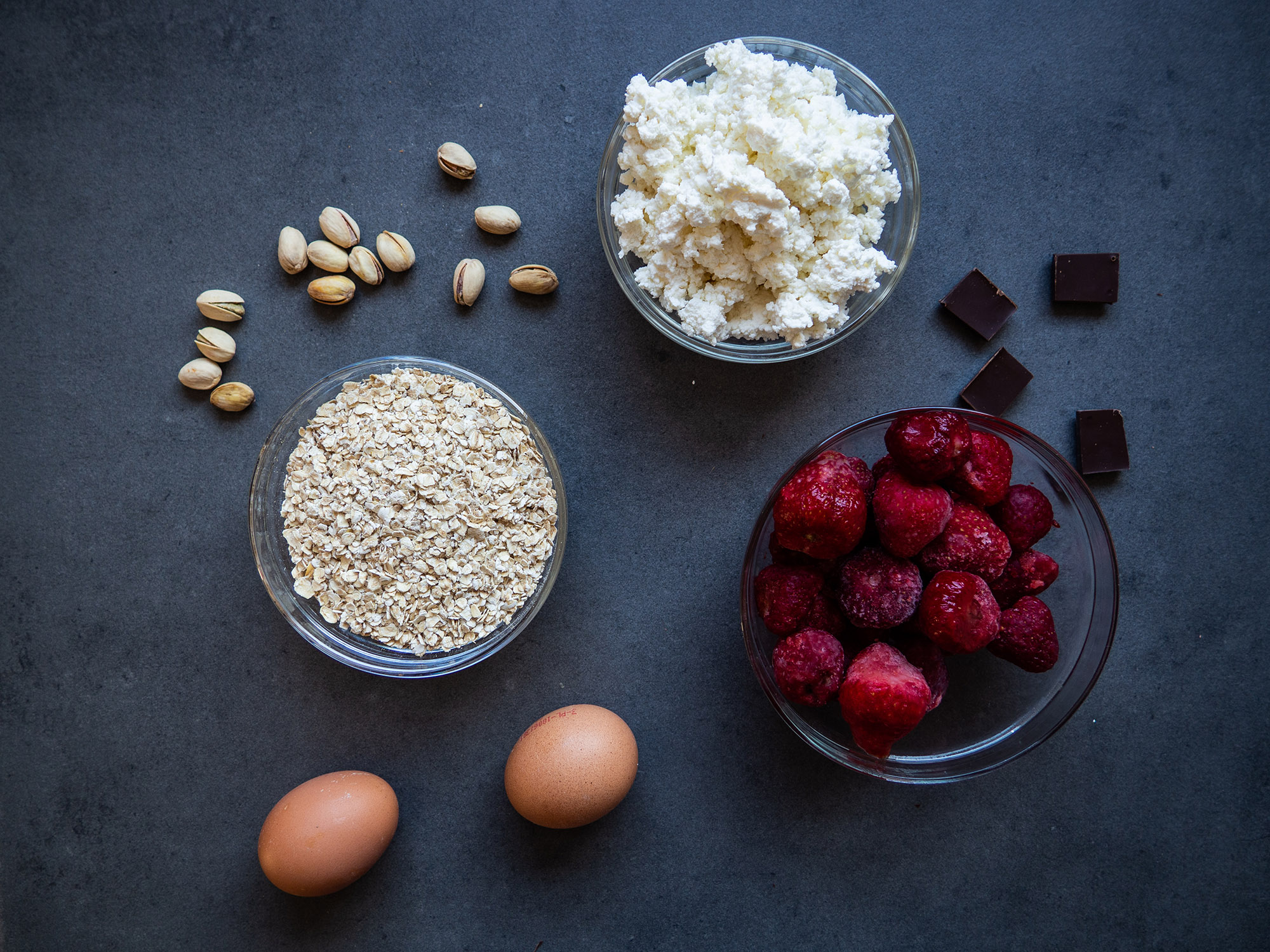 oat flakes, eggs, cottage cheese, strawberries