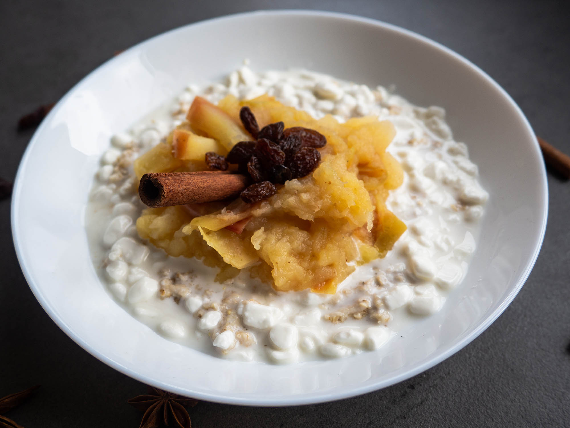 Oat Cottage Cheese with Apple Mousse