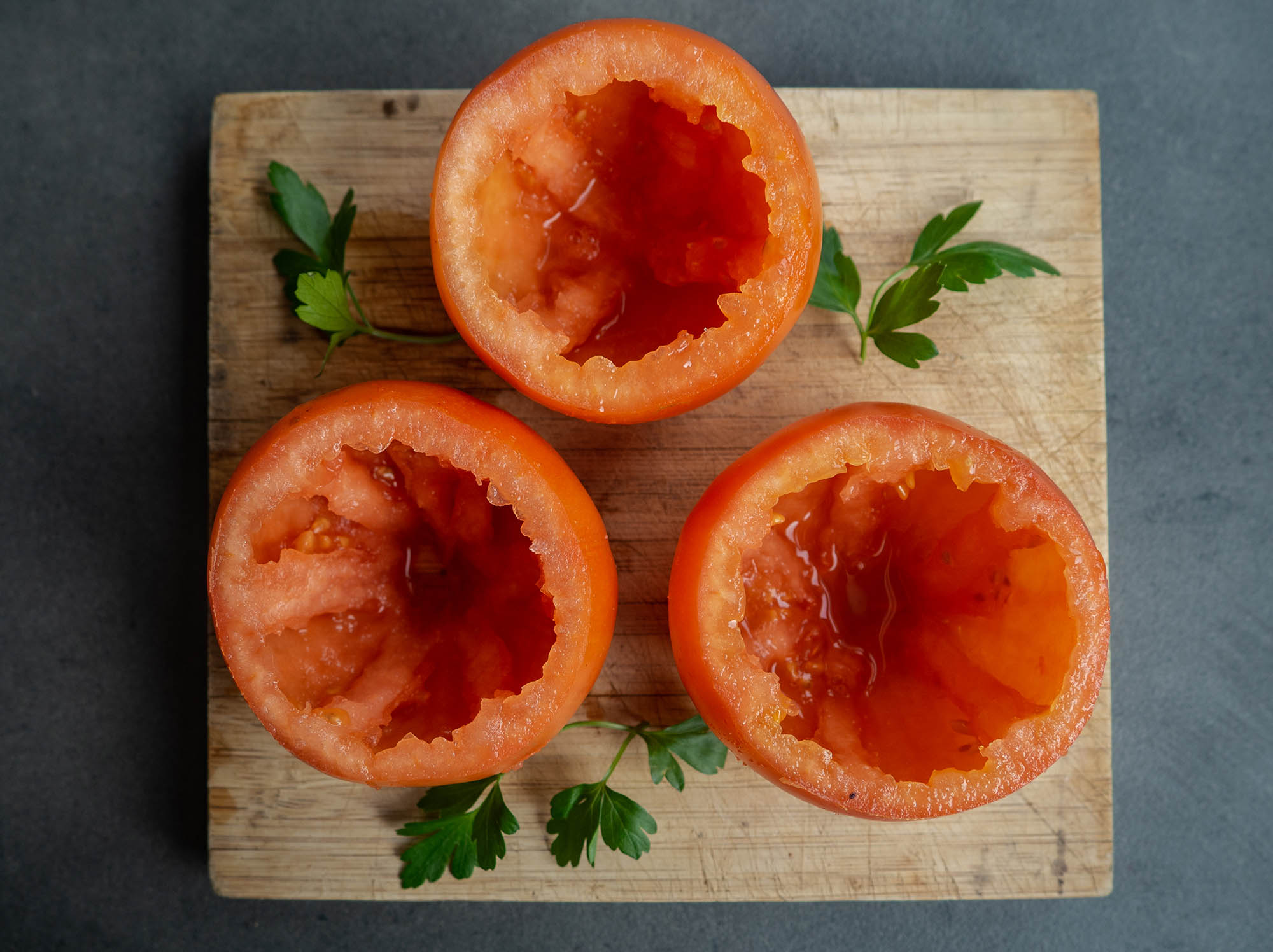 3 cutted tomatoes